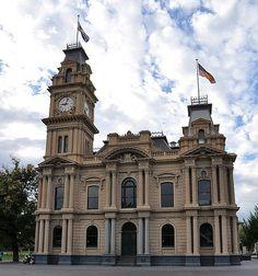 Bendigo Town Hall, Victoria, Australia Aussie Food, Brick Construction, Pacific City, Moving To Australia, Historic Houses, Victoria Australia, Old Buildings, Town Hall, Homeland