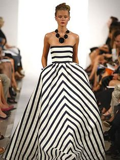 Love this black and white gown from the Oscar de la Renta Spring 2013 collection.