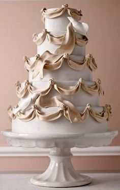 Beautiful #wedding #cake ToniK Pâtisserie Lovely ribbon inspired draping