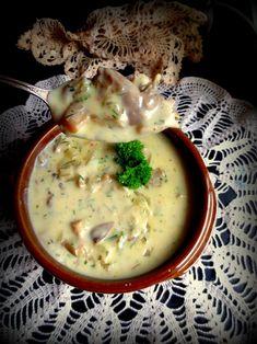 Tejfölös Gombaleves (Soupe aux Champignons & à la Crème Sure)
