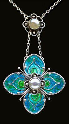 Arts & Crafts Pendant / Liberty & Co / British / c. 1900 / Silver, Enamel, Pearl | JV