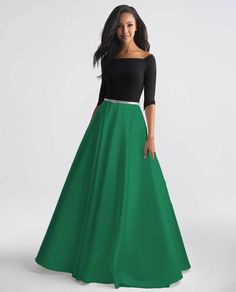 Classic two-tone ball gown with belted waist Beautiful Evening Gowns, Evening Dresses, Bride Dresses, Bridesmaid Dresses, Unique Formal Dresses, Colourful Outfits, Elegant Woman, Daily Deals, Ball Gowns