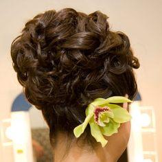 Exact replica of my 1969 prom hairdo! Wedding Hair Flowers, Wedding Updo, Flowers In Hair, Fancy Hairstyles, Bride Hairstyles, Simple Hairstyles, Flower Girl Updo, Pagent Hair, Love Hair