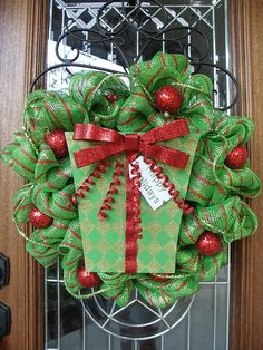 Red & Green Christmas Mesh Present Wreath by lesleepesak on Etsy