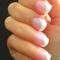 Now this is really pretty, me and my pink nails... always.
