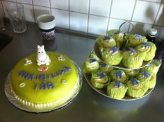 Moomin cake and cupcakes Mumin tårta - emmabakad.blogg.se Cupcake Cakes, Cupcakes, Moomin, Cake Creations, Nct, Baby Shower, Desserts, Food, Pies