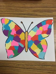Print butterfly outline on construction paper. Test different colored pieces of paper. Have kids glue and overlap. Print butterfly outline on construction paper. Test different color Spring Art Projects, Spring Crafts For Kids, Paper Crafts For Kids, Butterfly Outline, Butterfly Crafts, Butterfly Print, Butterfly Kids, Daycare Crafts, Toddler Crafts
