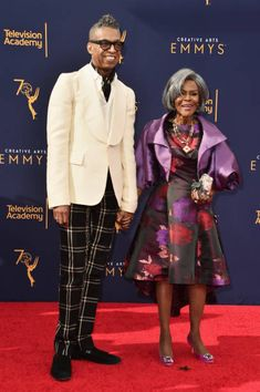 Legendary actress Cicely Tyson has been inducted into the TV Hall of Fame. Black Royalty, Vintage Black Glamour, Black Actresses, Fashion News, Fashion Fashion, London College Of Fashion, Gone Girl, African American Women, African Americans