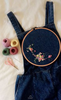 Wonderful Ribbon Embroidery Flowers by Hand Ideas. Enchanting Ribbon Embroidery Flowers by Hand Ideas. Hand Embroidery Stitches, Ribbon Embroidery, Cross Stitch Embroidery, Embroidery Designs, Beginner Embroidery, Knitting Stitches, Hand Stitching, Simple Embroidery, Embroidery Sampler