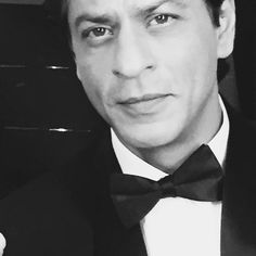 Shah Rukh Khan @iamsrk Shooting for Nerolac Paints in Black & White. 13 Dec 2014