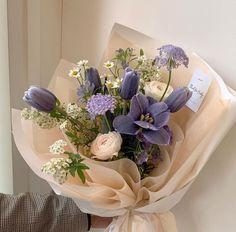 Lavender Aesthetic, Flower Aesthetic, Purple Aesthetic, Simple Flowers, My Flower, Pretty Flowers, Beautiful Bouquet Of Flowers, Purple Flower Bouquet, Tulip Bouquet