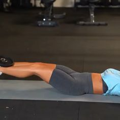 Lose belly fat with this ab exercise with weights Ab Core Workout, Butt Workout, Workout Challenge, Gym Workouts, Physical Fitness, Yoga Fitness, Fitness Tips, Health Fitness, Workout Bauch