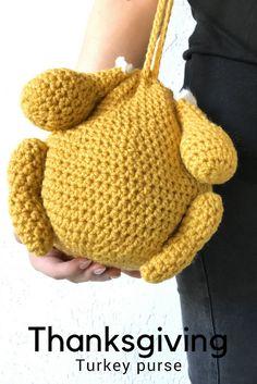 Free #crochet pattern to make this #Thanksgiving #turkey #purse #bag