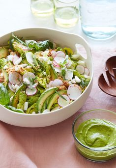 Brunch season is here. Its happening. Its our time to shine. And this Crispy Quinoa Spring Salad is the perfect Brunch Salad. Spring Salad, Summer Salads, Healthy Salad Recipes, Vegetarian Recipes, Healthy Dinners, Brunch Recipes, Dinner Recipes, Brunch Salad, Crispy Quinoa