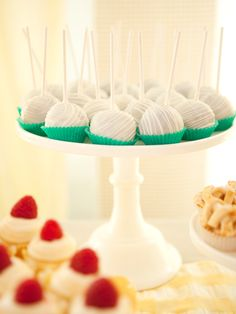 cake lollipops.: (it's the cake stand it's on too that makes this so attractive!)