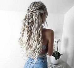 hair styles Half-Updo Styles All stylish ladies should see, Casual Hairstyles, Unique Hairstyles, Summer Hairstyles, Straight Hairstyles, Braided Hairstyles, Hairstyle Ideas, Cute Hairstyles With Curls, Festival Hairstyles, Hairstyles 2018