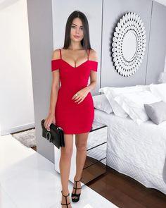 "1,159 curtidas, 52 comentários - ⠀⠀⠀⠀⠀⠀⠀⠀⠀⠀⠀⠀⠀⠀⠀⠀⠀⠀⠀⠀T. (@thaiscadorin) no Instagram: ""Lady in red w/ @lojacorderosa ❤️ - #ootn #reddress"""