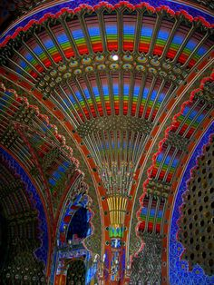 Curious Places: Castello di Sammezzano (Reggello/ Italy) The extravagant residence Castello di Sammezzano sits on top of a hill in Tuscany, Northern Italy. Originally it was built in the Moorish style in 1605 for Ximenes d'Aragona and then re-designed between 1853 and 1889. After the war the castello was used as a luxury hotel until closure in the mid to late 1990's. It was abandoned until April 2012 when the FPXA committee was formed, aiming to promote and enhance the castle.