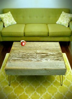 Love this barnwood table....how did he get that green hue???