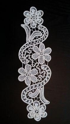 Point Lace Romanian Style Crochet Doily Ivory by ValeriasShop Bobbin Lace Patterns, Crochet Doily Patterns, Macrame Patterns, Machine Embroidery Patterns, Crochet Motif, Crochet Doilies, Crochet Lace, Crochet Cord, Filet Crochet