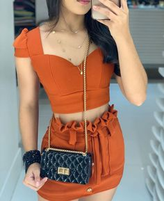 Crop Top Outfits, Edgy Outfits, Swag Outfits, Short Outfits, Summer Outfits, Girl Outfits, Crop Top And High Waisted Shorts, Casual Street Style, Bollywood Fashion