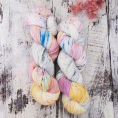 手染め糸 ソックヤーン #38〝Frühlingsrauschen〟 | ハンドメイドマーケット minne Hand Dyed Yarn