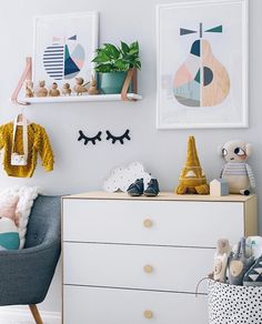 Boys room inspiration. OYOY and Lucie Kaas wooden animals. Image @oh.eight.oh.nine