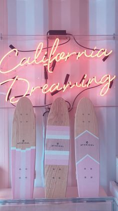 18 Ideas wall collage ideas pink for 2019 Beach Aesthetic, Aesthetic Rooms, Summer Aesthetic, Aesthetic Vintage, Aesthetic Grunge, Travel Aesthetic, Collage Mural, Bedroom Wall Collage, Photo Wall Collage