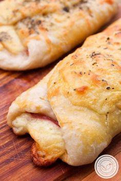 Panini Napoletani - um lanche italiano que é uma verdadeira delícia! #receita #pão #lanche