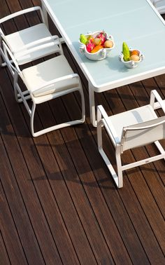 Bamboo X-treme von MOSO bamboo products Hunter Douglas, Bamboo Decking, Moso Bamboo, Sides For Ribs, Outdoor Furniture Sets, Outdoor Decor, Solution, Flooring, Pergola