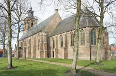 Nederlands Hervormde Kerk - Oude-Tonge, gebouwd in 1499. (Goeree-Overflakkee, the Netherlands)