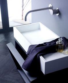 keramag g stebad die streng geometrische formgebung der waschtische und badm bel von xeno. Black Bedroom Furniture Sets. Home Design Ideas