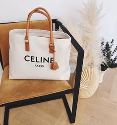 Trend Alert: Canvas Tote Bags - We Wore What in 2020 Celine Tote Bag, Beautiful Handbags, We Wear, Tote Handbags, Canvas Tote Bags, Paper Shopping Bag, Instagram, Reusable Tote Bags, Purses