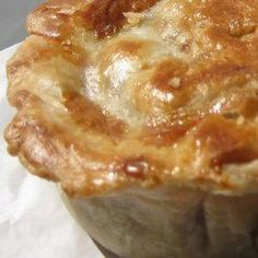 Pies are great winter food and here is a steak pie recipe that also makes a great pepper steak pie recipe. Beautiful golden pies that can be froxen or eaten straight away. Turnover Recipes, Pie Recipes, Cooking Recipes, Recipies, Savory Pastry, Savoury Pies, Steak Pie Recipe, Beef Pies, Mince Pies