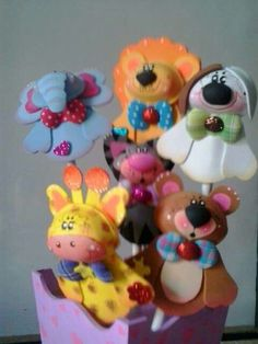 Animales Foam Crafts, Diy And Crafts, Safari Party, Lalaloopsy, Corpus Christi, Centerpieces, Artsy, Clay, Baby Shower