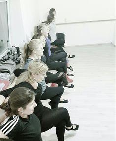 PILATES STUDIO DÜSSELDORF - PILATESZEIT - DEIN STUDIO FÜR PILATES UND BALLETTWORKOUT #pilates #pilateszeit #pilatesstudiodüsseldorf #düsseldorf #ballettworkout #ballettfitness #barreworkout #sports #fitness #train #health #balletfitness #best #fun #sexylegs #sexyabs #training #love #active #excercise #sporty #workout #healthy #healthyliving #healthylifestyle #weightloss #abworkout