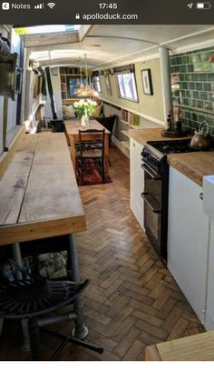 The Boathouse: a new definition to lakefront living! Narrowboat Kitchen, Narrowboat Interiors, Barge Interior, Interior Exterior, Canal Boat Interior, Barge Boat, Canal Barge, Houseboat Living, Houseboat Ideas