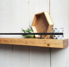 Use rail on bottom of shelf for hangers Picture Shelves, Picture Ledge, Shelf Above Bed, Floating Wall Shelves, Small Wall Shelf, Black Walls, Modern Wall, Entryway Decor, Wood Crafts