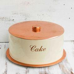 cake tins | Vintage cake tin