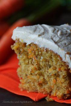 Ihr Lieben! Heute habe ich für Euch das Rezept für köstlichsten Rübli-Kuchen, gefunden im wundervollen neuen Backbuch Mara's Sweet Goodies* von meiner lieben Blog-Freundin Mara. Ach, es ist ein sooo tolles Buch und ich darf auch noch eine handsignierte Variante mein Eigen nennen! Ich war zum Buch-Kaffee-Klatsch eingeladen, habe dabei die zauberhafte Mara endlich persönlich …