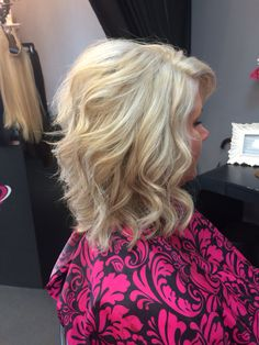 Love this platinum blonde for summer using Olaplex and Blondor! Pink the Beauty Boutique Dimensional Blonde, Beauty Boutique, Long Locks, Platinum Blonde, Blonde Highlights, Bombshells, Blondes, New Hair, Envy