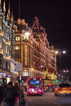 Harrods lit up at night for Christmas in London Night Aesthetic, City Aesthetic, Travel Aesthetic, London Winter, London Christmas, Places To Travel, Places To Go, London Dreams, London Night