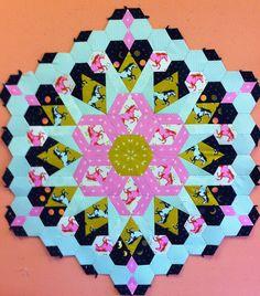 Linda's Quiltmania: The New Hexagon Millefiore Quiltalong