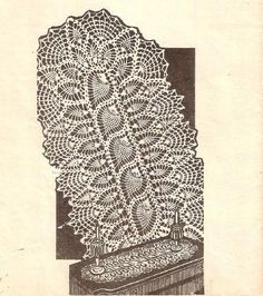 Vintage Lace, Crochet Pattern Table, Pineapple Doily Runner