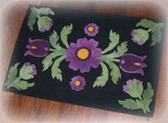 Grandma's Floral Garden Applique Table Runner. Designed & stitched by Jan Mott of Crane Design. Check out my blog spot to see shops that offer this pattern.