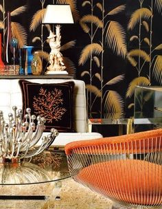 Warren Platner armchair by Knoll mixed with chinoiserie for an eclectic style