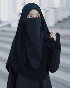 Hijab Gown, Hijab Outfit, Hijab Casual, Hijab Chic, Hijabi Girl, Girl Hijab, Beautiful Muslim Women, Beautiful Hijab, Niqab Fashion