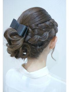 ランジェロペ 原宿店(LANGE Rope')【華やかパーティーセット¥2300】編み込みモテアップ♪♪ Hairdo Wedding, Wedding Hair And Makeup, Flower Girl Hairstyles, Up Hairstyles, Short Hair For Kids, Hair Arrange, Love Hair, Bridesmaid Hair, Hair Hacks