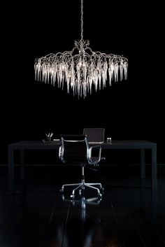 Hollywood Icicles Modern Chandelier. See our new and existing collections at WWW.BRANDVANEGMOND.COM. All our collections can be customised to fit your interior design project or we design exclusive for you. #bespokelighting #customlighting #decorativelighting #exclusivechandeliers#modernlighting#modernchandelier#designerlighting Modern Dining Room Lighting, Modern Floor Lamps, Modern Lighting, Lighting Design, Luxury Chandelier, Luxury Lighting, Modern Chandelier, Unique Table Lamps, Light Fittings