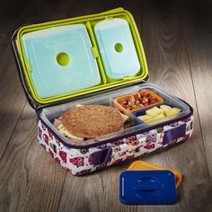 The Fit & Fresh bento box is perfect for you or your little ones on the go. The kit includes one main sandwich sized compartment and two smaller compartment